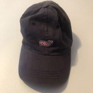 Blue Vineyard Vines hat 🧢